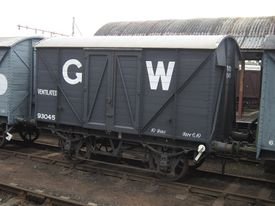 GWR 93045 Mink 'A' Covered Goods Van.jpg