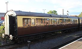 GWR G56 saloon 9369 at Kidderminster.jpg